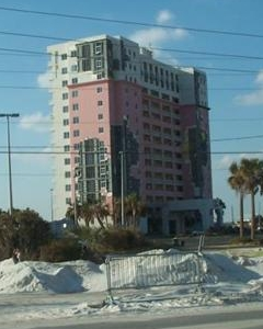 Pensacola Beach Condo with non-compliant windows suffered wind damage from Hurricane Ivan