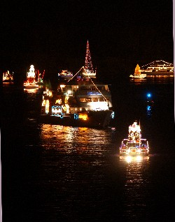 Participating Boats Pass along Intracoastal